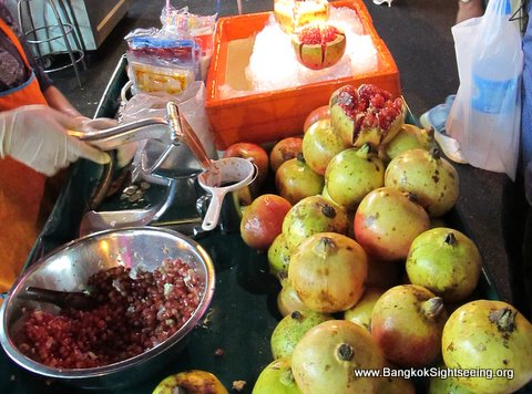 Pomegrenade juice stall in Bangkok